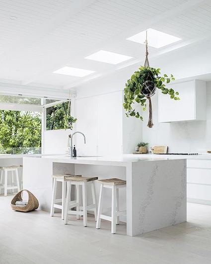 white kitchen interior design__